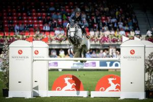 Bridgestone RV (Silverstone x Indoctro) jumping CSI***** 1.45m with amazon Maureen Bonder.